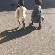 Inspiration 2 – B.H with the inspriration Cute Baby Twins, Baby F, Cute Girls, Cute Baby Photos, Cute Couples Photos, Girl Photos, Aesthetic Japan, Aesthetic Photo, Korean Outfits