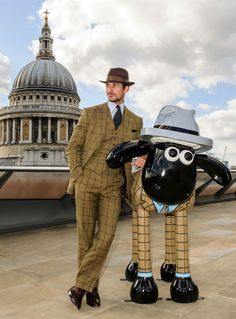 "David Gandy unveils his sculpture for the ""Shaun in the City"" London Trail"
