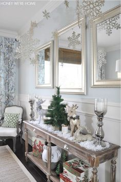 Christmas Holiday Decor - glitter snowflakes falling from the ceiling- easy DIY with thumbtacks Christmas Tree Diy Christmas Ceiling Decorations, Reindeer Decorations, Table Decorations, Sofa Table Decor, Console Table Living Room, Console Tables, Dining Room, Diy Christmas Tree, Christmas Holidays