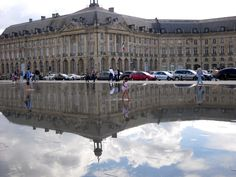"The ""Miroir d'Eau"", water mirror fountain in Bordeaux, France"