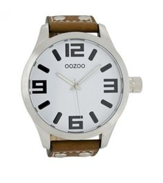 Stunning junior watch from Dutch watch manufacturer Oozoo.Watches come with a 12 month manufacturers guarantee. Cool Watches, Rolex Watches, Watches For Men, Most Beautiful Watches, Fashion Watches, Michael Kors Watch, Dame, Brown Leather, Unisex