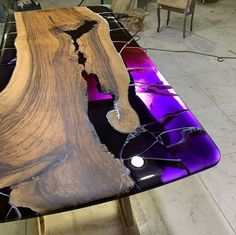33 Awesome Resin Wood Table Design Ideas Perfect Furniture - SearcHomee - Resina y Madera - Epoxy Wood Table, Epoxy Resin Table, Diy Epoxy, Resin Crafts, Resin Art, Wood Crafts, Diy Wood, Wood Projects, Woodworking Projects