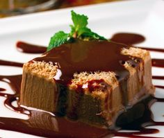 Mousse Cafe. Novidade no restaurante Josephine, a cremosa e levemente aerada mousse de café leva toque de chocolate – e você precisa de menos de 10 minutos para prepará-la.