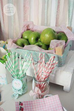 Las cajas de frutas recicladas...