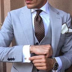 I need more ties : Photo