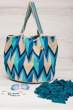 This beautiful & original Tote Bag is made by the Wayuu indigenous women of Guajira Colombia, it has taken up to 6 weeks to make, and is 100% handmade. Ever