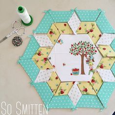 Beautiful paper piecing featuring Tasha Noel's Simple Life fabric collection #iloverileyblake #FabricIsMyFun
