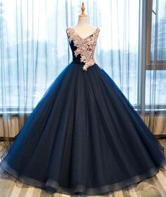 Charming Appliques Ball Gown Prom Dress, V Neck