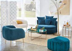 Le salon bleu canard en décoration Accent Chairs, Living Room, Interior, Furniture, Room Ideas, Home Decor, Tasty Food Recipes, Christmas Tables, Christmas Houses