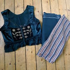 Vintage Upphlutur. My Icelandic costume #2: Fabrics « Tricoteuse d'Islande