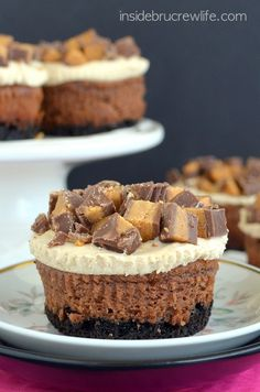 Chocolate Reese's Cheesecake - chocolate, peanut butter, and Reese's make this the best mini cheesecake you will ever eat http://www.insidebrucrewlife.com