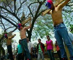 RT Protestan en Ciudad Bolivar, en vísperas de #SemanaSanta #11A #TrancazoContraElTirano #SEMANATRANCA pic.twitter.com/BJW0lP9SMh