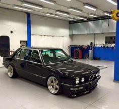E28 Bmw, Bmw Alpina, Bmw 535, Bmw Classic Cars, Bmw 2002, Bmw 5 Series, Audi, Japanese Cars, Bmw Cars
