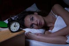 Alarm kurmadan, hiçbir şey olmadan, her gece aynı saatte kendi kendinize uyanıyorsanız bu duruma dikkat etmeniz gerekebilir. Vücudunuzda farkında olmadığınız enerjiler taşıyor olabilirsiniz. Vücudunuzdaki enerji meridyenleri de bir saat sistemine bağlı ve eski Çin tıbbına göre