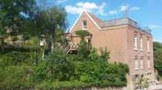 Bed Bentheim Bad Bentheim Located in the centre of the spa town Bad Bentheim, this bed and breakfast offers a garden and a terrace. At Bed Bentheim free Wi-Fi access is available and Schlo?park Park is 250 metres away.