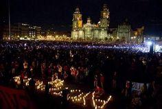 Esta es la foto que debe quedar hoy, NO la de vandalos infiltrados quemando la puerta de palacio nacional #YaMeCanse #AccionGlobalporAyotzinapa #Articulo39RenunciaEPN- http://www.pixable.com/share/5Xp6y/?tracksrc=SHPNAND2&utm_medium=viral&utm_source=pinterest