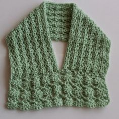 Craftybegonia: Alynne  Easy, unusually-shaped cowl, very feminine, with or without a bow/ FREE Pattern. #freecrochetpatternsforwomen #frecrochetpatternsforladies #freecrochetypatterncowl