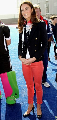 Kate in coloured jeans! love it :)