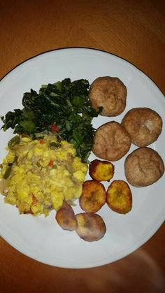 #AlwaysPromotingPeterLloyd Ackee & saltfish perfectly prepared with steamed calaloo, friend wholewheat dumplings and ripe plantains by Linda . Would you like some my #reggae #loving #peterlloydfans ???
