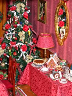 Dollhouse Miniatures: Christmas Room Box 1:12 scale  miniature desserts Z