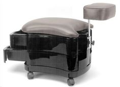 Pibbs 2033 Two Shelf Portable Pedicure Station With Footrest