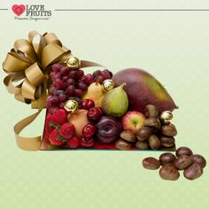 #BrownGift Lindo prato repleto de manga, pera, pêssego, maçã, ameixa, uvas, cerejas, morangos e castanhas! Frutas como presente!  Ganhar flores é maravilhoso. Ganhar LOVEFRUITS é maravilhoso e delicioso! SURPREENDA! http://www.lovefruits.com.br/