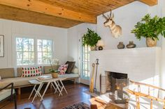 House in Catskill, United States. Clum house is a 2 story newly renovated house with a fully equipped kitchen and wood burning fireplace.  The location is great year round.  Close to Woodstock, Saugerties, Hudson, the Hudson River and Hunter and Wyndham ski resorts.  The House was...