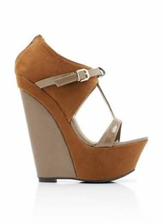 uede t-strap wedges