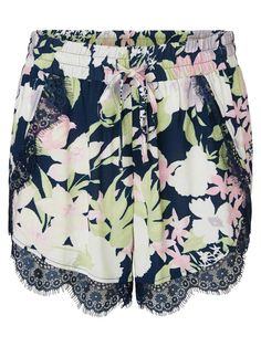 Floral print summer shorts from VERO MODA. Love the lace details!