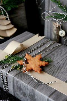 もみの木と一緒にクッキーのオーナメントを添えて。よりナチュラル感がUPします。