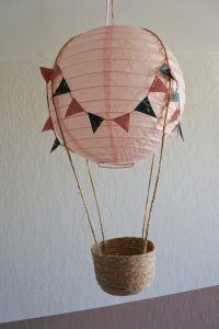 8 chewable nightlights for your child's room - HomeCNB Fun Crafts, Diy And Crafts, Kids Lamps, Nightlights, Kids Room Design, Diy Interior, Paper Lanterns, Diy For Girls, Toddler Crafts