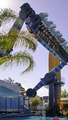 Vekoma Waikiki Wave,                   Wipeout, dreamworld Gold Coast Australia