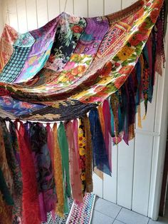 Bohemian bed canopy INDIAN SUMMER In Stock garden Bohemian Hippy kantha boho India Gypsy hippie patchwork hippiewild meditation patio floral - Vorhang ideen Hippie Bedding, Indian Bedding, Boho Bedding, Luxury Bedding, Bedding Sets, Hippie Bohemian, Bohemian Decor, Bohemian Style, Boho Chic