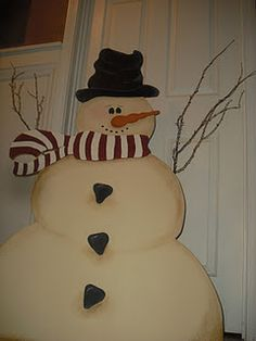 wood cutout snowman...  This my be fun to make
