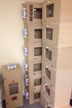 Loads of orders going out. BOTHA BILTONG BOXES. Facebook, Twitter, Instagram.