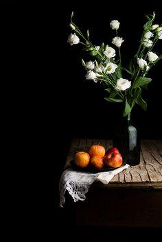 Apples by Raquel Carmona