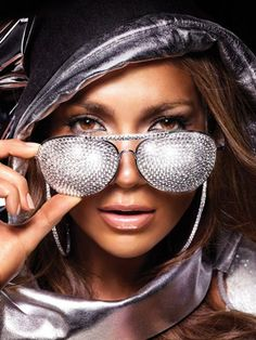 Jlo bling BABY OHHH AHHH!!! ONE DAY I WILL BE ABLE TO TAKE A PICTURE LIKE THIS AND BE KOOL OH I HOPE OH!!!