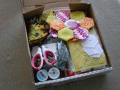 Crafted by KatieB: {hexies = my healthy addiction}: hexagon portable sewing box