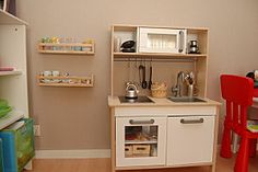 Spice rack for toy dishes. Usefull and cheap!