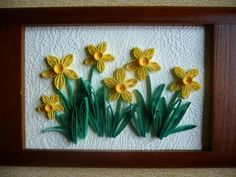 Yellow Daffodil - http://www.quilledcreations.com/quillinggallery/showphoto.php?photo=2935