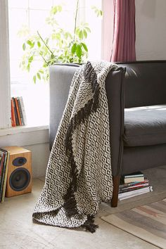 Magical Thinking Valentine Throw Blanket - Urban Outfitters