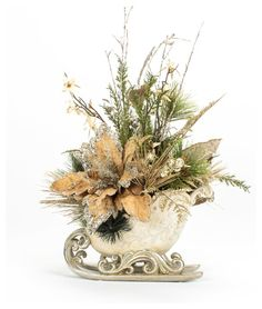 Christmas Silver Sleigh Floral Arrangement traditional-holiday-decorations Cool Christmas Trees, Nordic Christmas, Christmas Candles, Outdoor Christmas, Beautiful Christmas, Christmas Sleighs, Christmas Wreaths, Advent Wreaths, Easy Holiday Decorations