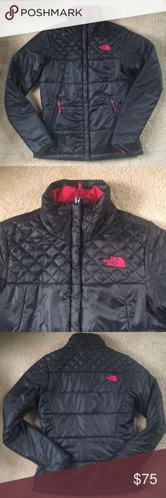 Beautiful North Face Jacket Super comfy and lightweight jacket by The North Face. Only worn a handful of times and very well cared for. Perfect for fall, spring and winter in warmer areas. I love this jacket but I vary between a small and x-small and this fits but is too fitted for my taste. The North Face Jackets & Coats Puffers