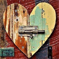 heart art primitive shabby chic chippy paint ORIGINAL ART by Elizabeth Rosen – House Decor Tips Arte Pallet, Pallet Art, Diy Wood Projects, Art Projects, Original Paintings, Original Art, Heart Crafts, Driftwood Art, Primitive Crafts