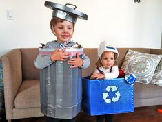 Trashcan and Recycling Bin Halloween Costume, recycled halloween costume Costume Halloween, Costume Carnaval, Fall Halloween, Homemade Halloween, Halloween Ideas, Diy Carnival, Carnival Costumes, Toddler Costumes, Baby Costumes