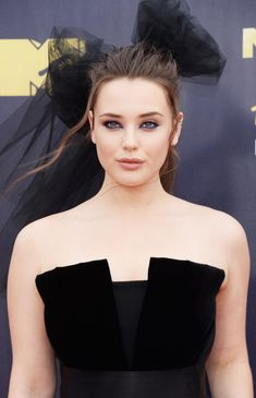 Katherine Langford beauty - Fashion hits and misses from the 2018 MTV Movie & TV Awards Hollywood Actor, Hollywood Stars, Hollywood Actresses, Most Beautiful Faces, Beautiful Girl Image, Beautiful Women, Sarah Lancaster, Bollywood Actress Hot Photos, Tv Awards