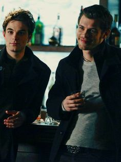 Kol and klaus Klaus The Originals, Vampire Diaries The Originals, Hayley And Klaus, Nathaniel Buzolic, The Mikaelsons, Kol Mikaelson, Damon And Stefan, Movies And Series, Teen Series