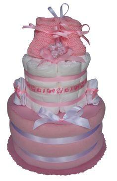 Gâteau de couches Pampers It's a girl garni d'une couverture pour le berceau de bébé. Cadeau Baby Shower, Html, Kids Room, Cake, Desserts, Food, Tailgate Desserts, Room Kids, Deserts