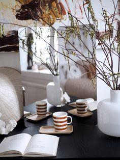 Inspiraatiota kotiin: Marimekon sisustussyksy 2018 | Pupulandia : Pupulandia Marimekko, Paint Colors, Table Decorations, Cool Stuff, Wallpaper, How To Make, Inspiration, Furniture, Beautiful