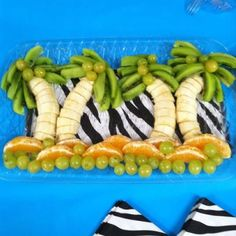 Super Ideas Fruit Tray Ideas For Kids Birthday Parties Baby Shower - Appetizers - Baby Shower Fun, Baby Shower Parties, Baby Shower Themes, Shower Ideas, Fun Baby, Safari Baby Showers, Beach Shower, Party Food Themes, Ideas Party